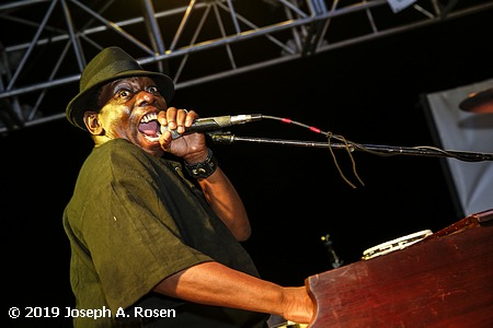 lucky peterson photo 4